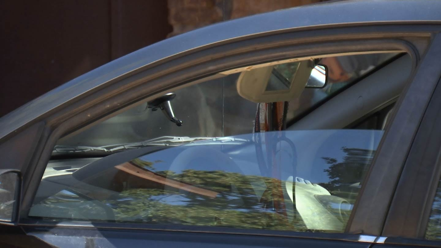 Sand Springs Police Warn Of Car Break-Ins