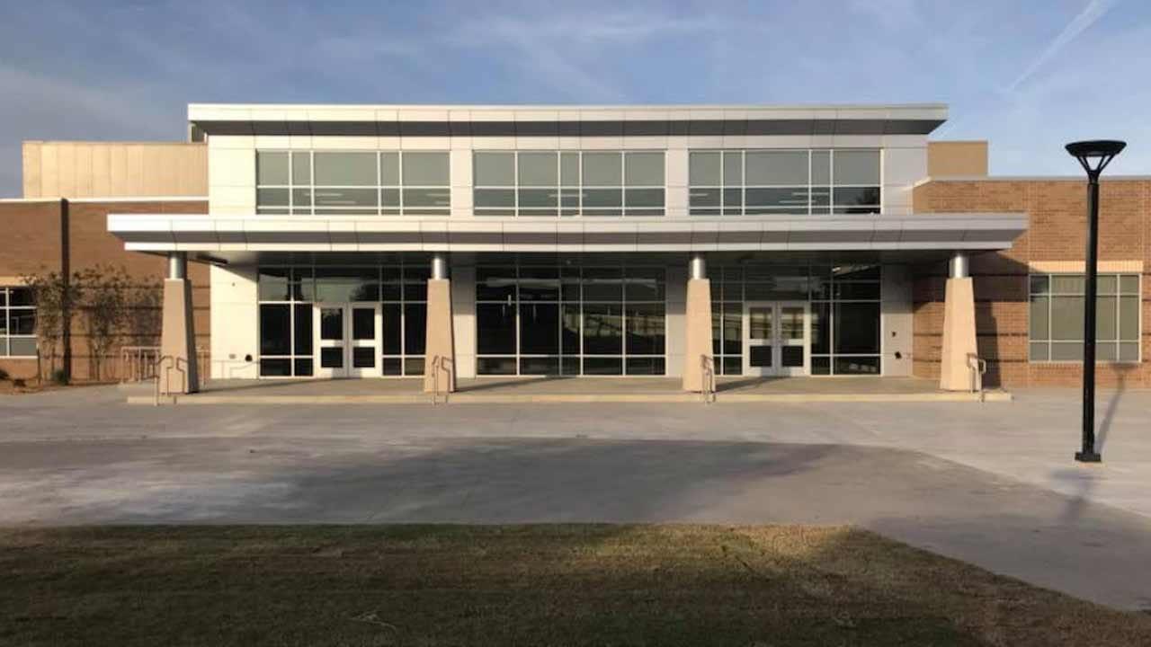 Broken Arrow School Completes High School Addition