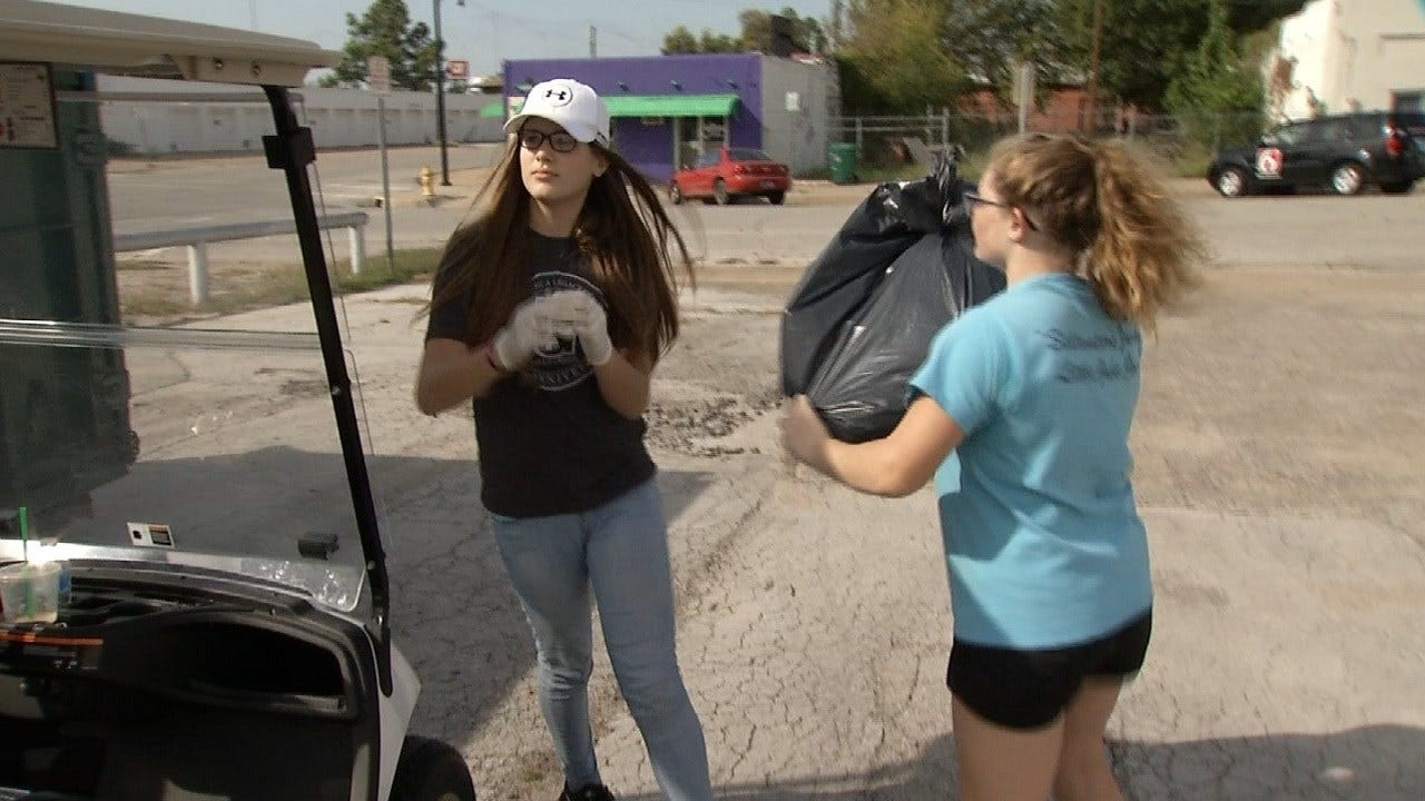 Kids, Volunteers Clean Up Sand Springs