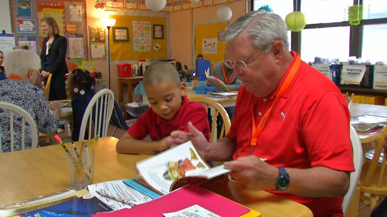 Reading Partners Needs Volunteers To Help Tulsa Students