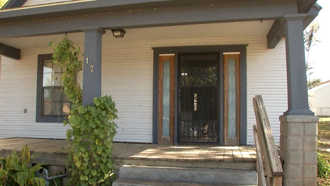 Tulsa Couple Says New Roommate's Boyfriend Robbed Them