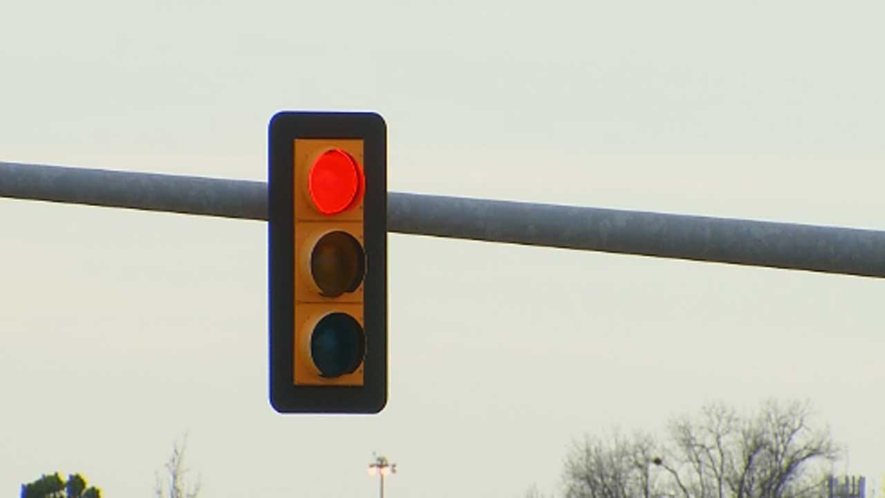 Tulsa Police Giving No Warning For Red, Yellow Light Violations