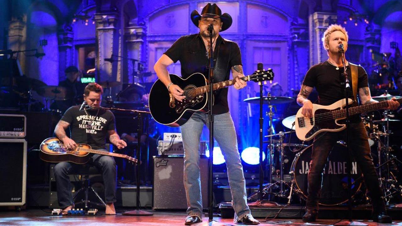 "Jason Aldean Performs As ""SNL"" Honors Vegas Victims, Tom Petty"