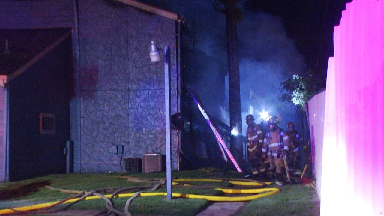 Grief Counselors Visit Tulsa Apartments After Deadly Fire