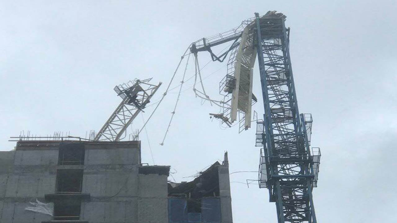 Crane Collapses In Miami As Irma Slams Florida