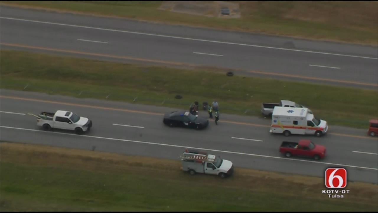 One Dead In Crash On Will Rogers Turnpike In Rogers County