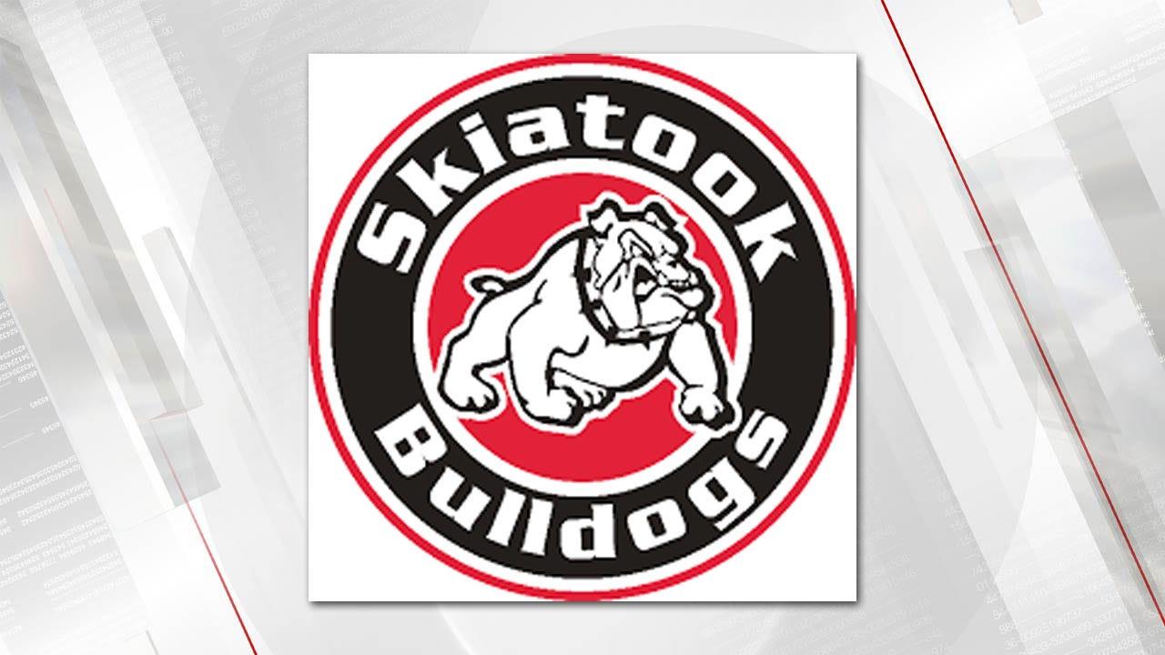 Skiatook Overtakes Tahlequah 38-21