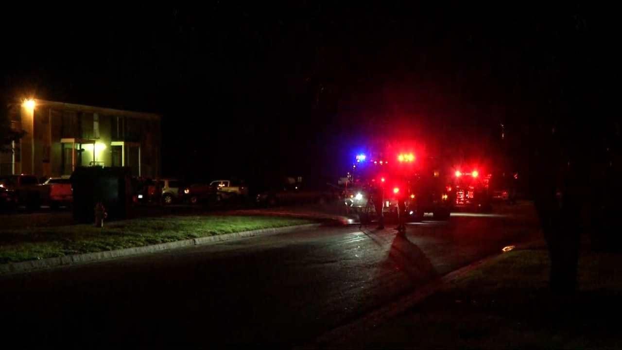 Police: Man Robbed, Shot At Tulsa Apartment Complex