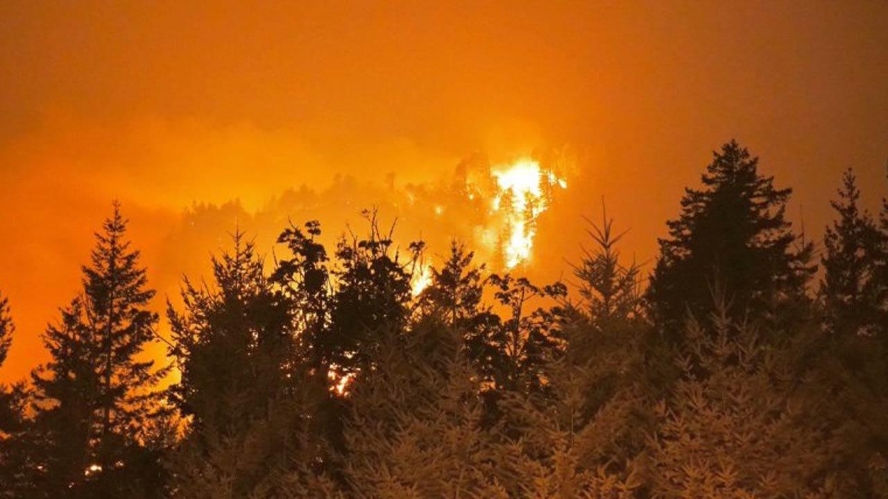 Wildfires Merge Near Portland, Oregon