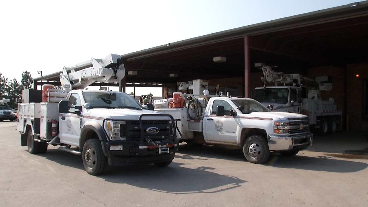 Oklahoma Electrical Crews Head To Georgia To Prepare For Irma