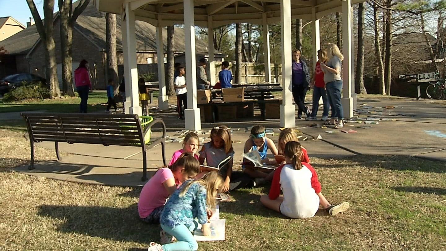 """""""Literacy In The Park"""" Event To Raise Money For School Support Staff"""