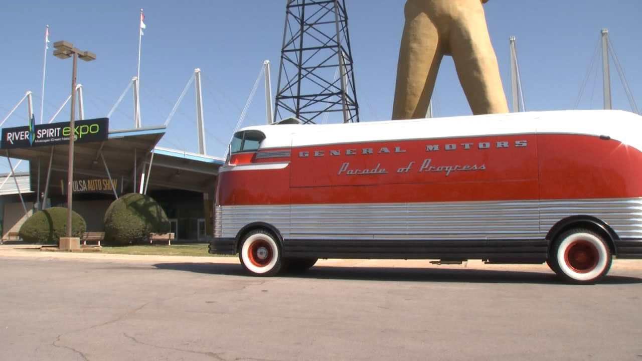 G.M Futureliner Featured At Tulsa Auto Show