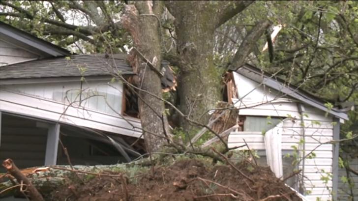 Possible Tornado Tears Through Arkansas Town