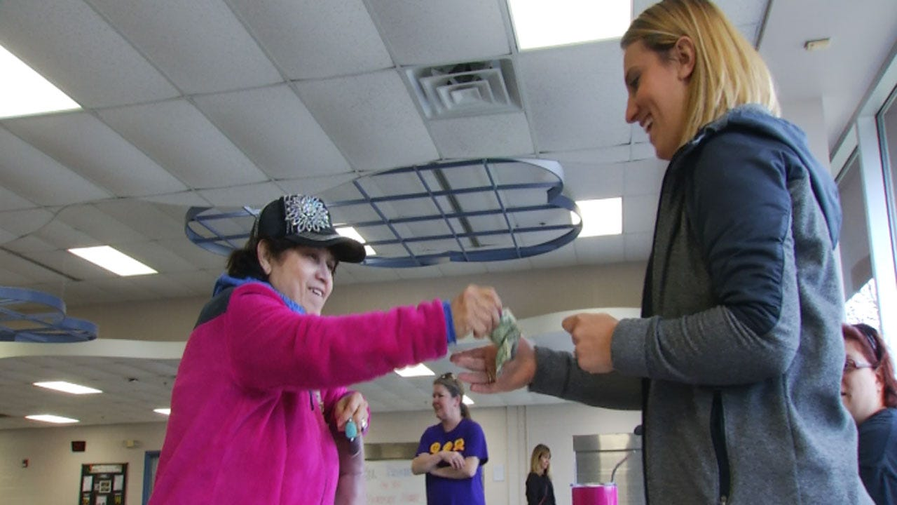Union Elementary School Raises Money For Support Staff
