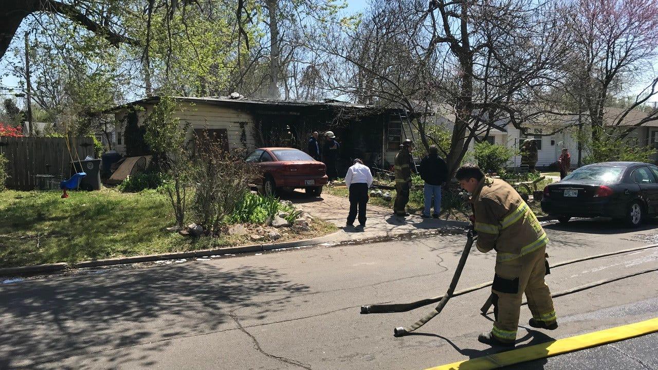 Neighbor Helps Elderly Woman Escape Tulsa House Fire