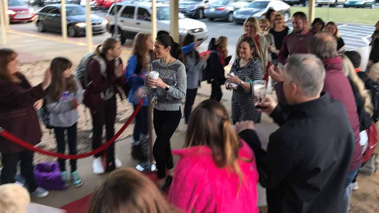 Jenks Rolls Out The Red Carpet For Returning Teachers After Walkout