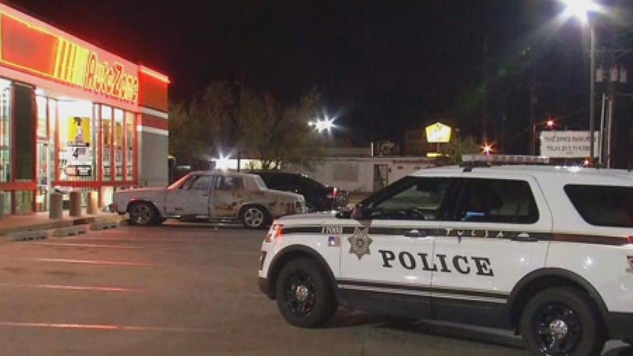 Police Search For Pair Who Robbed Tulsa Auto Parts Store