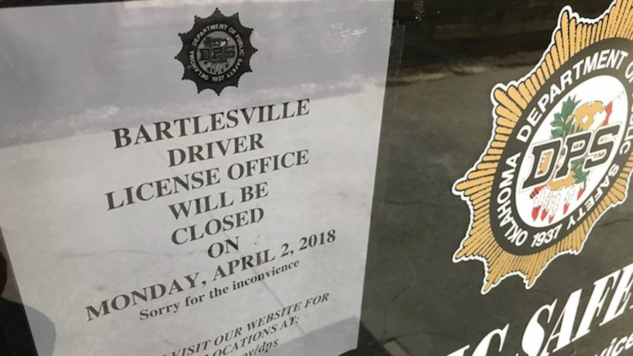 Driver's License Locations Closed As Oklahoma State Workers March