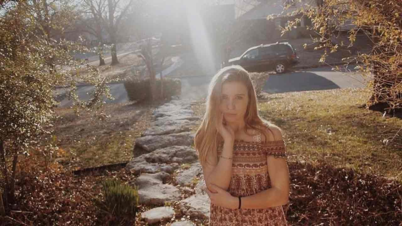 Memorial Service Held For Jenks Girls Killed In Wreck