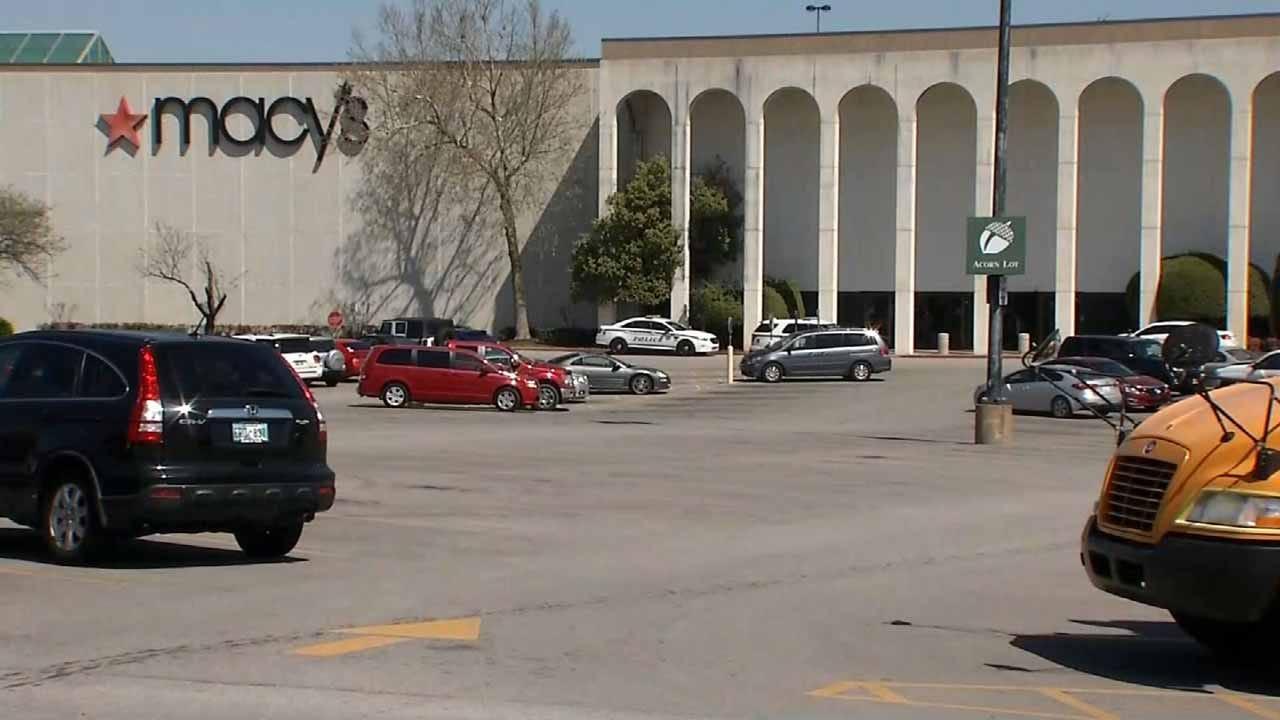 Naked Man, Woman Caught Running Through Tulsa Mall, Police Say