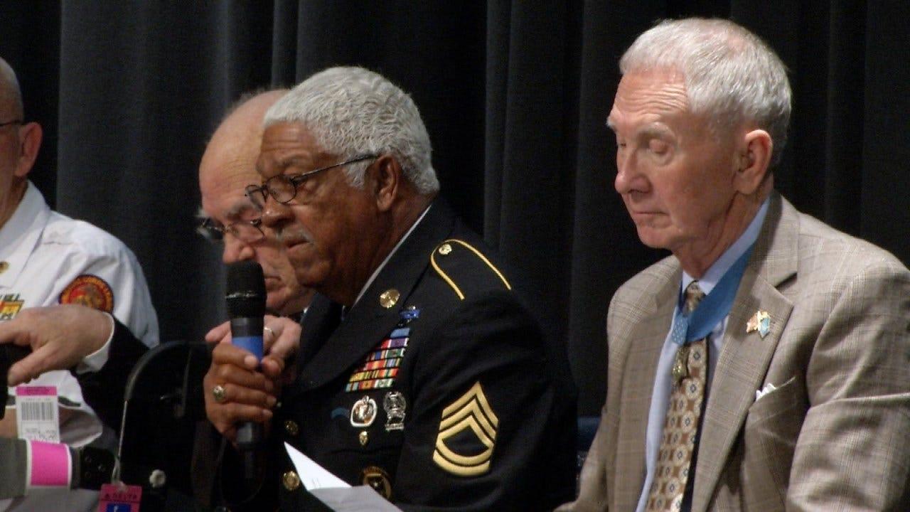 Medal Of Honor Recipients Speak To Sapulpa Students