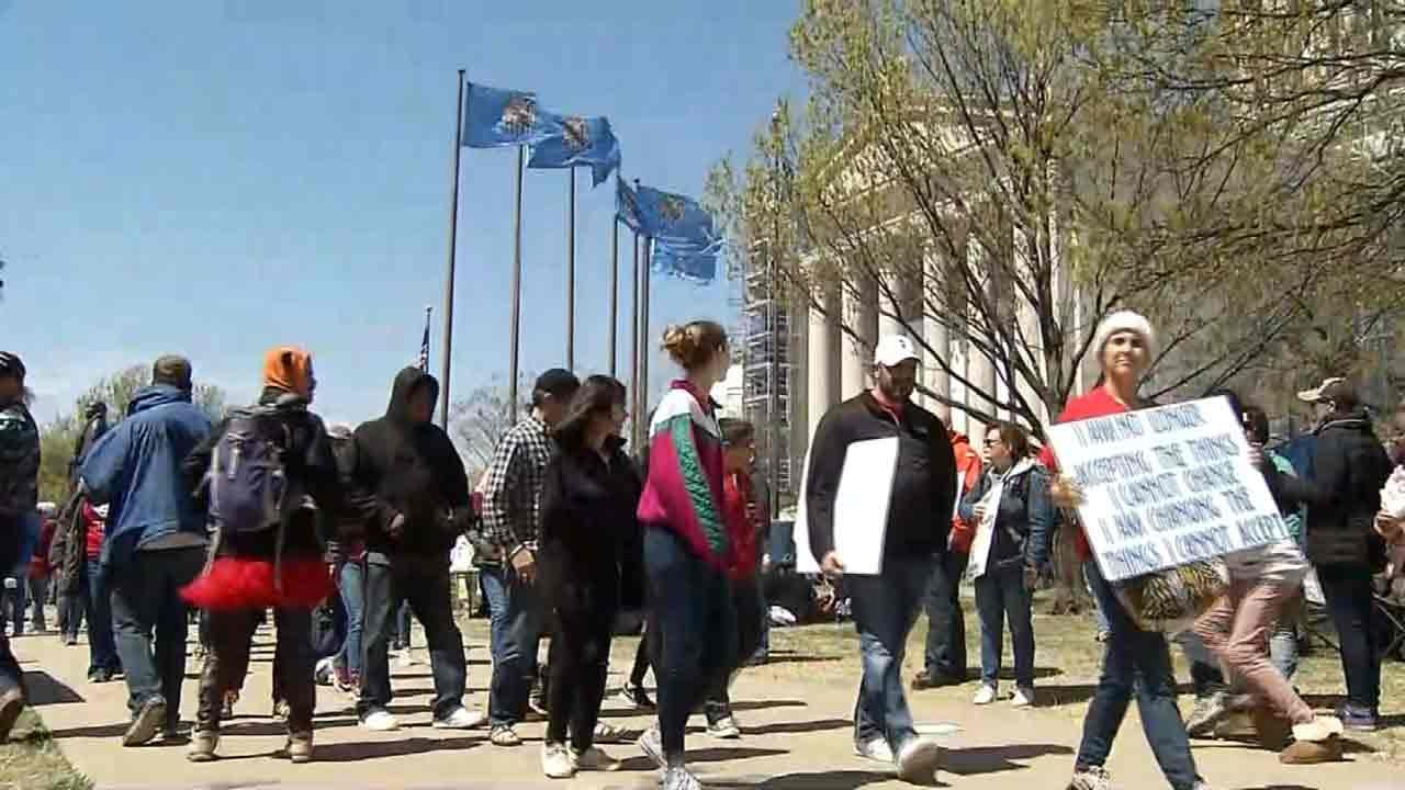 Teachers: OK Lawmakers Going In Late Wednesday Won't Stop Momentum