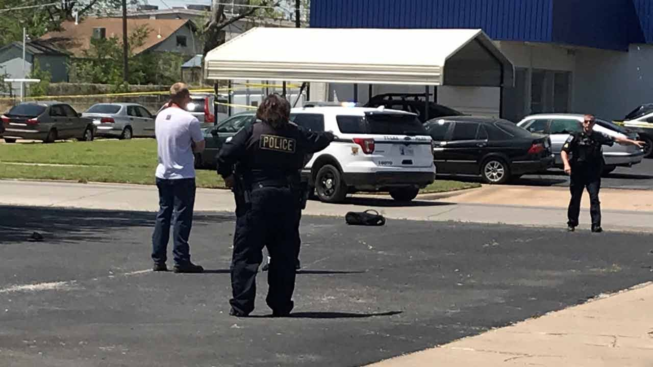 Tulsa Gun Battle Sends 2 People To The Hospital