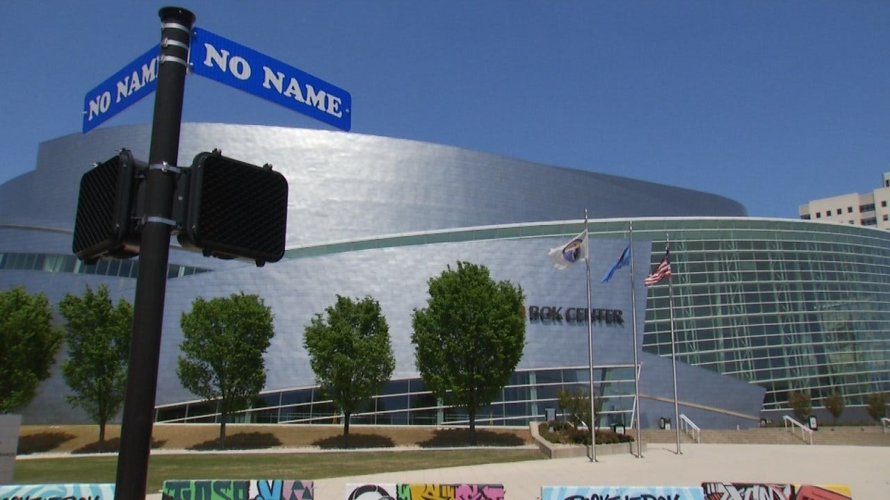 U2 Kicks Off World Tour In Tulsa, Fans Already Lining Up