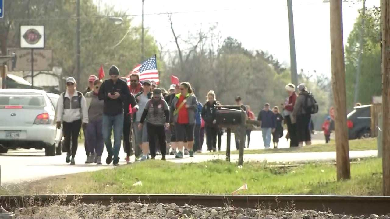 Teachers Walking From Tulsa To OKC Stop In Bristow