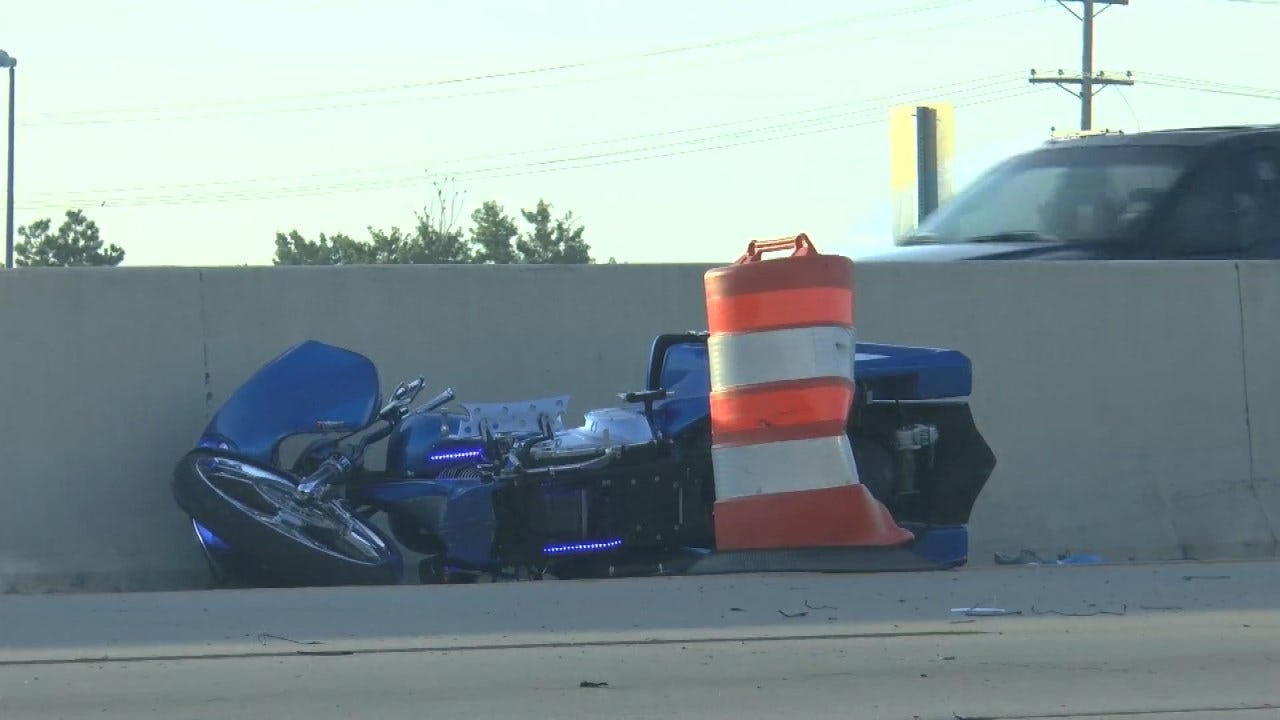 Police: Speeding Motorcyclist Crashes Into Tulsa Highway Wall