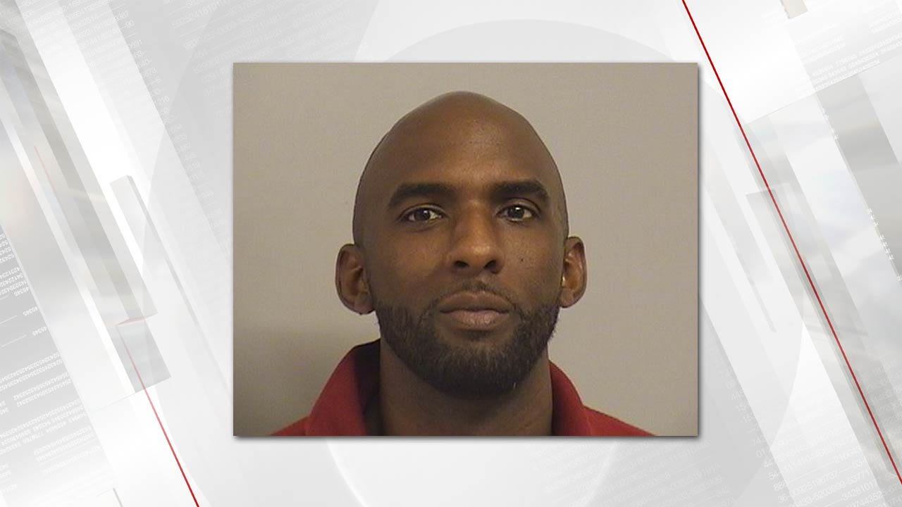 Tulsa Man Chases EMSA Workers With Knife, Police Say