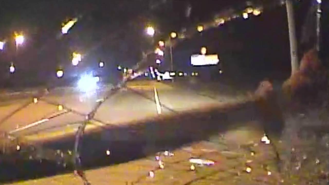 WATCH: Man Smashes Tulsa Police Car Windshield [Graphic Audio]
