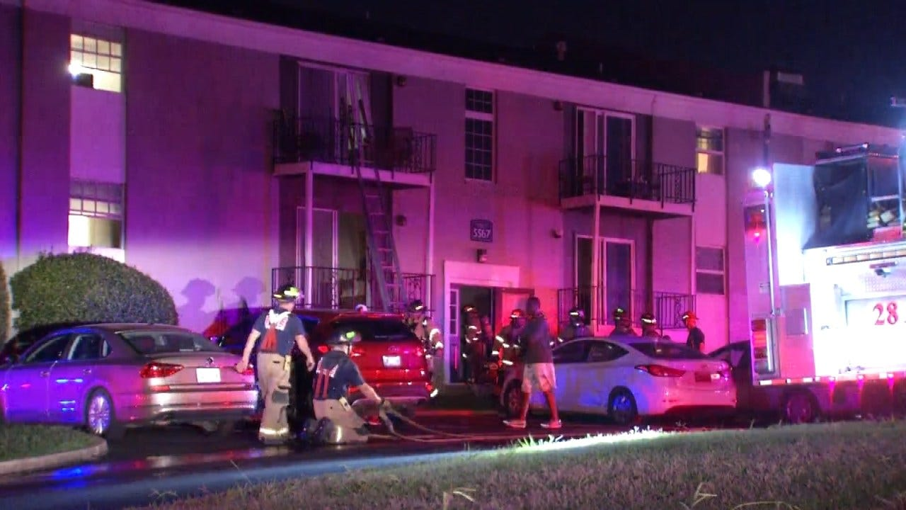 Two Hurt In Early Wednesday Fire At Tulsa Apartment Complex