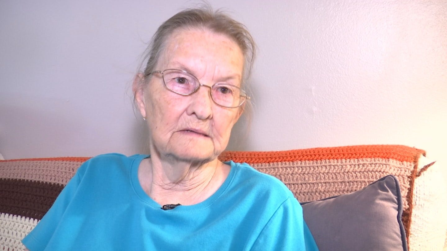 Catoosa Woman Loses Credit Cards To Thieves