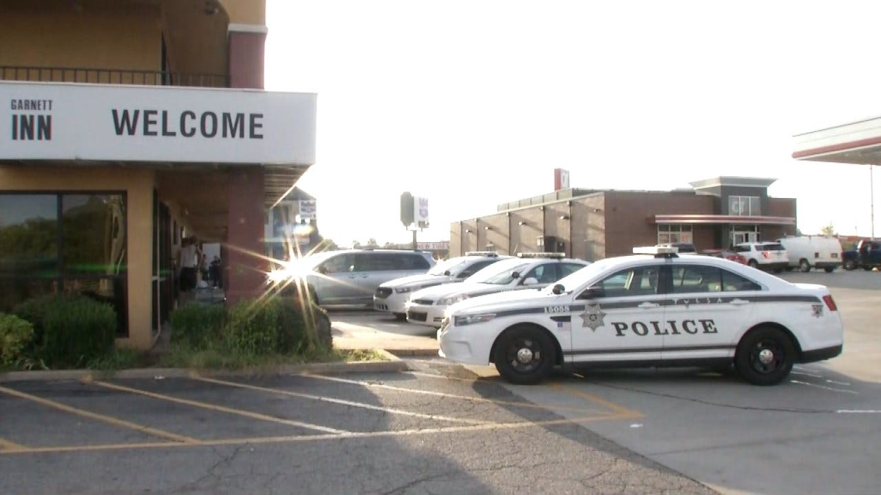 Tulsa Motel Guest Robbed, Car Stolen Early Thursday