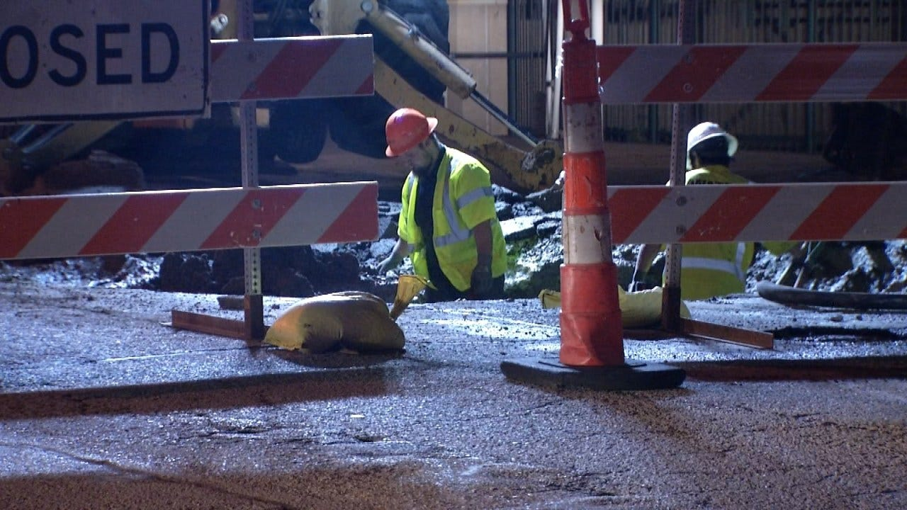 Tulsa Water Main Break Closes Section Of Pine Street