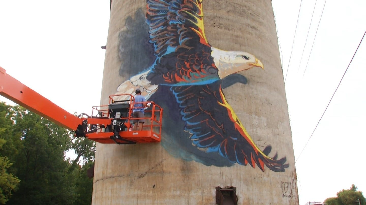 Mural Gives New Look To Old Sand Springs Landmark