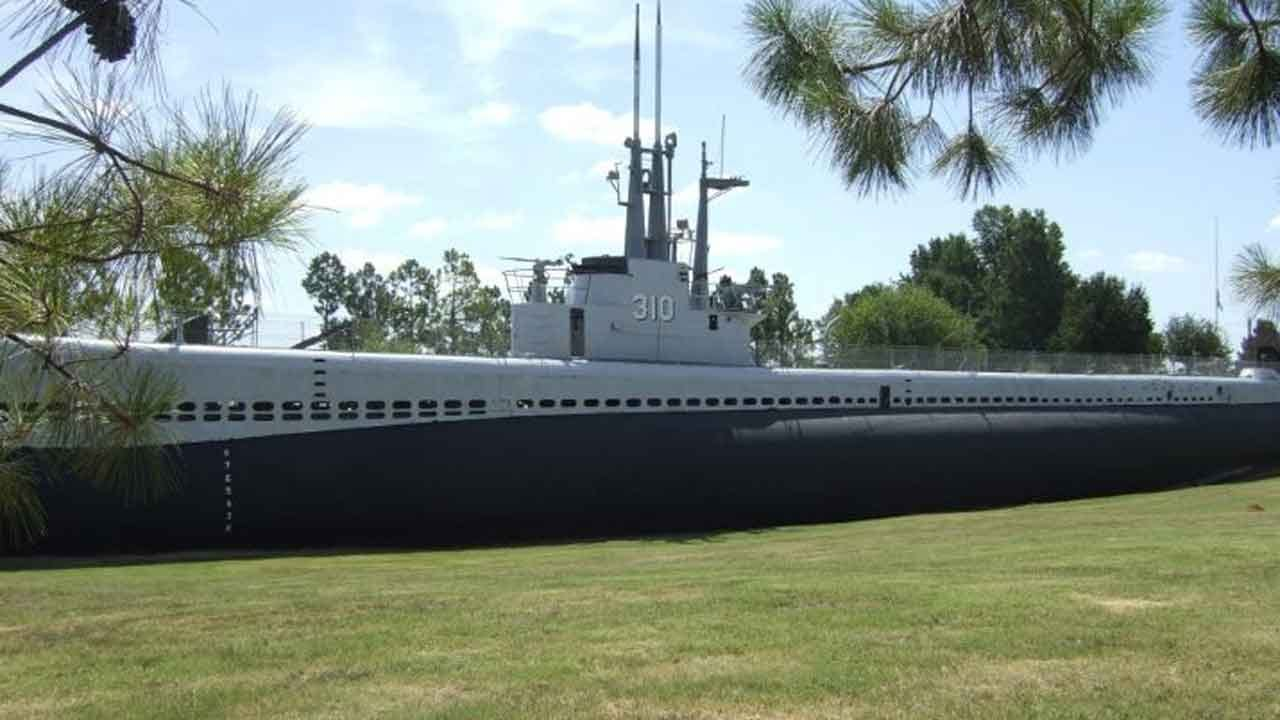 USS Batfish Celebrates 75th Anniversary With World War II Reenactment
