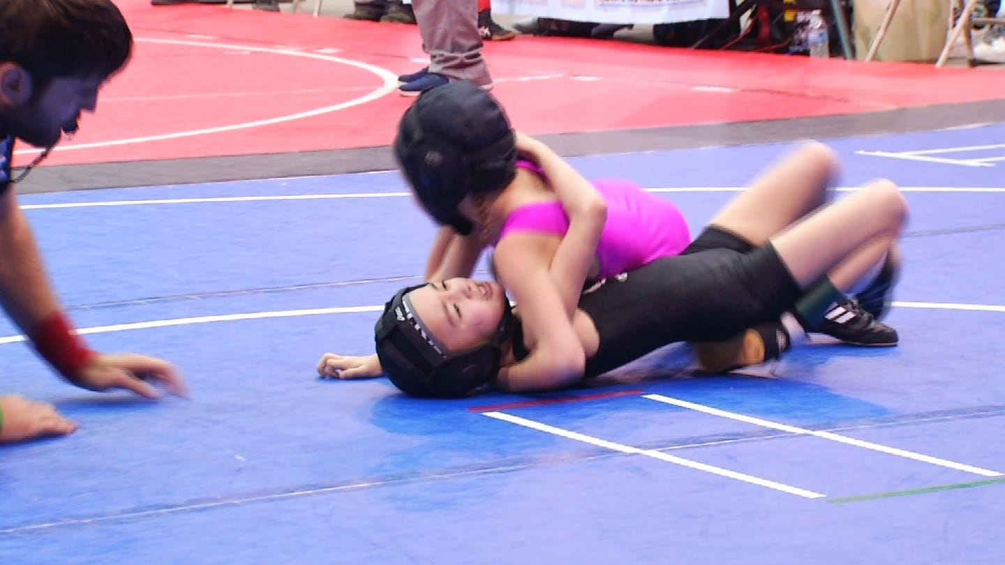 Girls Wrestling On The Rise In Oklahoma