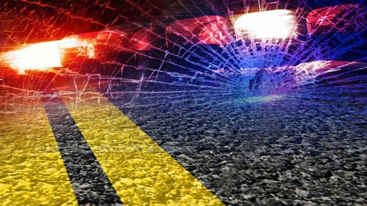 Emergency Crews Take 2 To Hospital After Tulsa Wreck