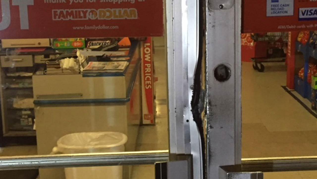 Alarm Scares Off Tulsa Store Burglars