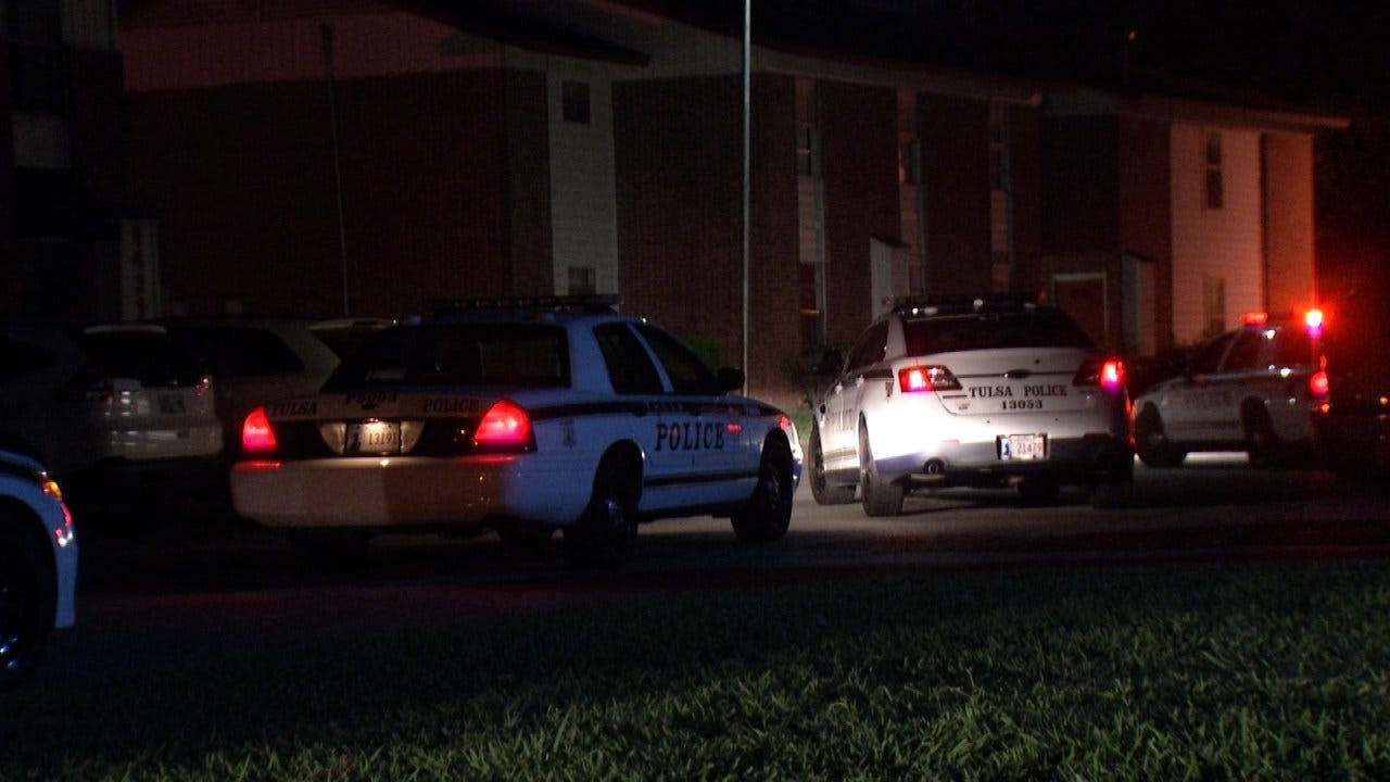 Police: Woman Stabbed During Fight At Tulsa Apartment Complex