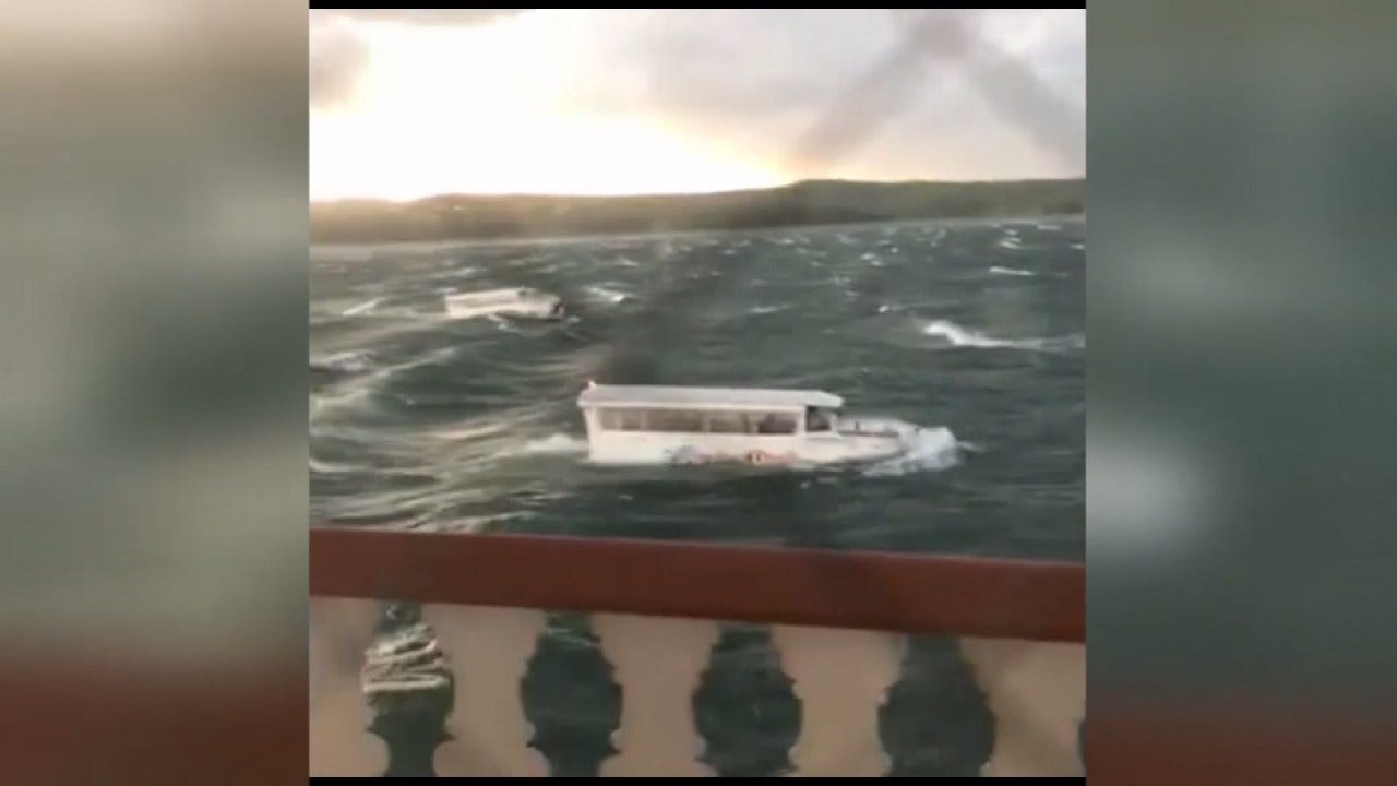 Coast Guard Brings Up Branson Duck Boat