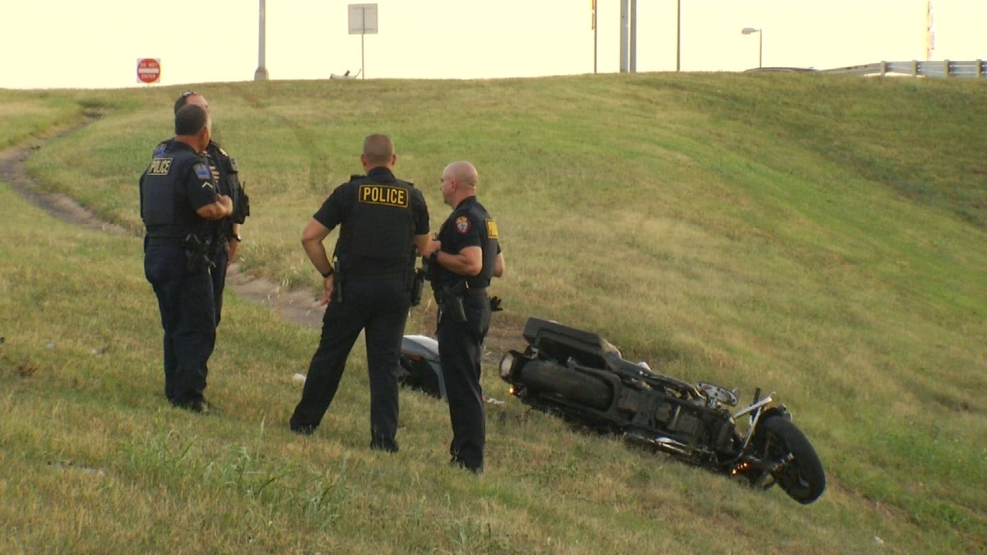 Police Chase From Owasso To Tulsa Ends In Crash, Suspect Arrested