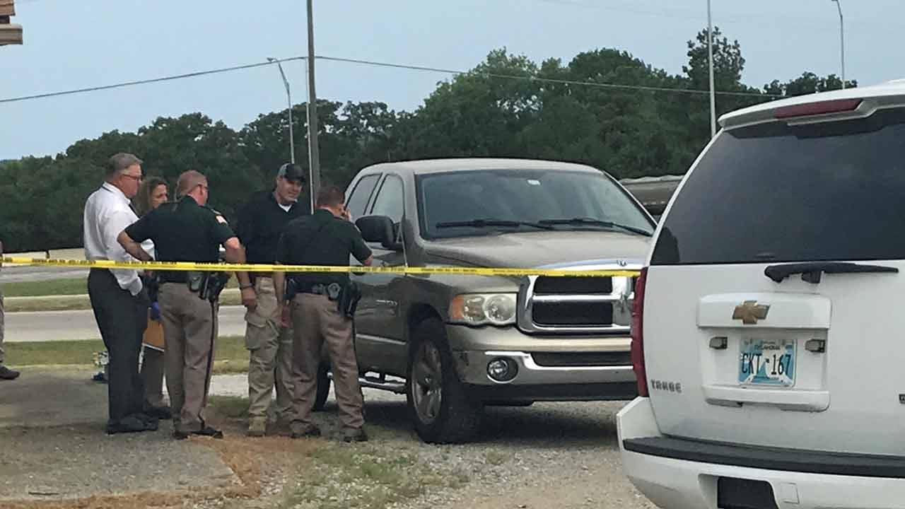 Woman's Body Found In Pickup On New Sapulpa Road