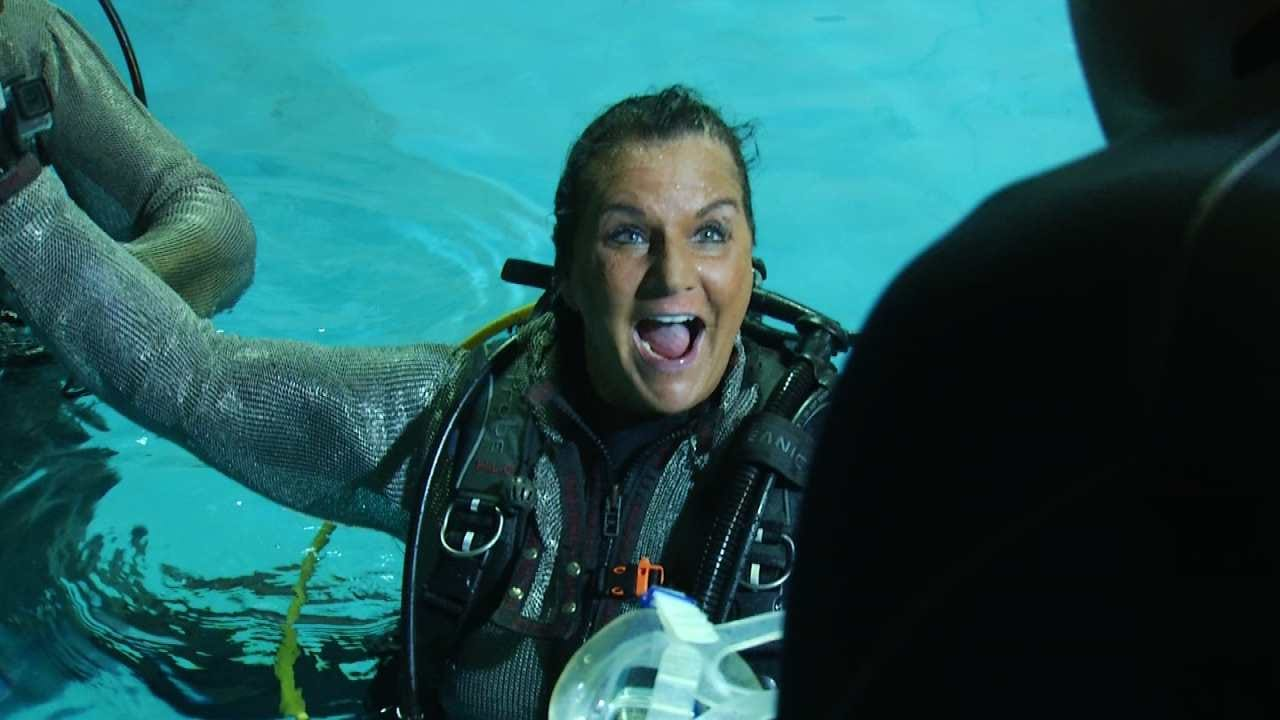 Edmond Woman Swims With Sharks