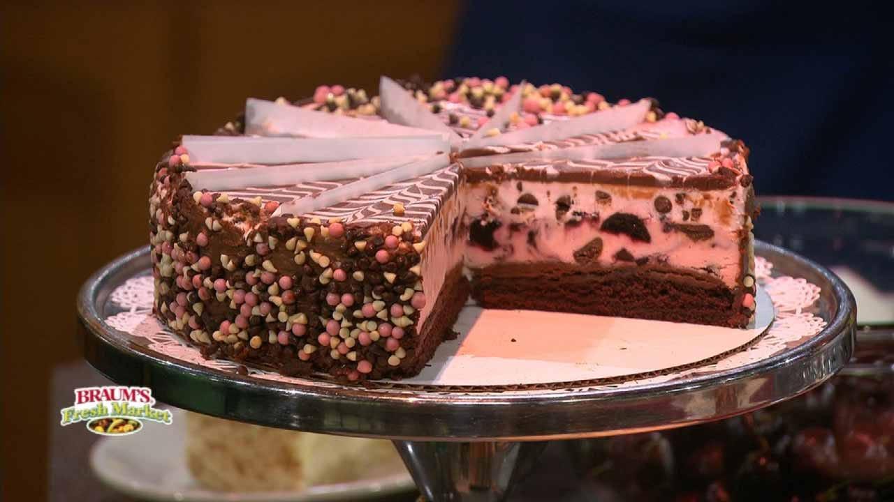 Very Cherry Cheesecake Sundaes