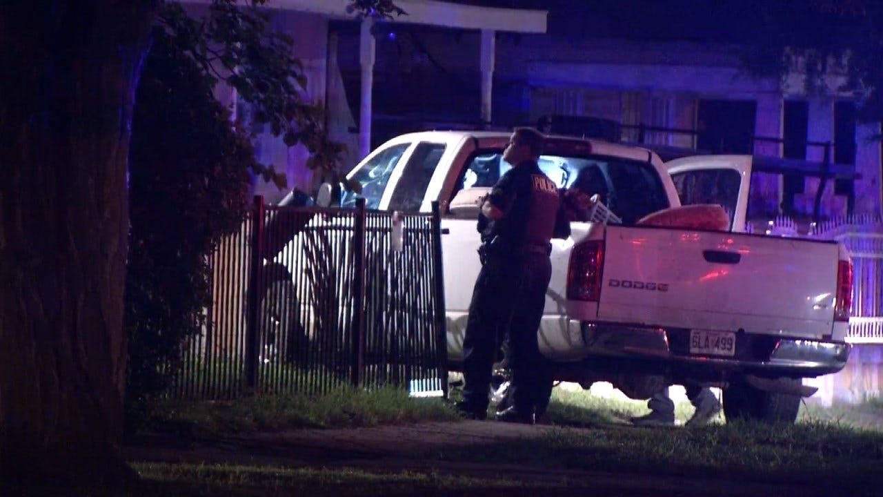 Driver Runs Off Following Tulsa Police Chase Early Tuesday