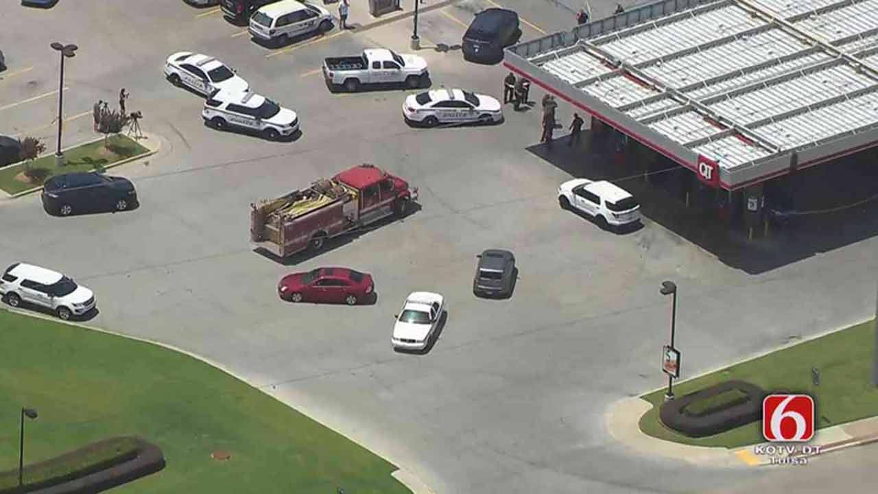 Tulsa Police Officer, Suspect Wounded In Shooting At QuikTrip