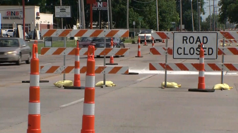 Peoria Ave Narrowed During Roadwork